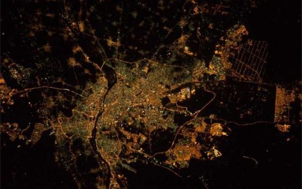 صورة رائعة للقاهرة ليلا ملتقطة من الفضاء