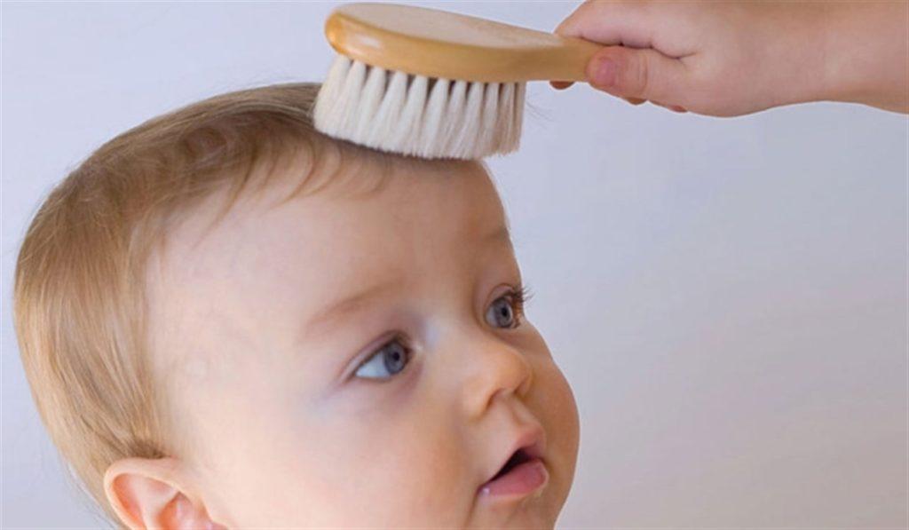قشرة الشعر عند الأطفال