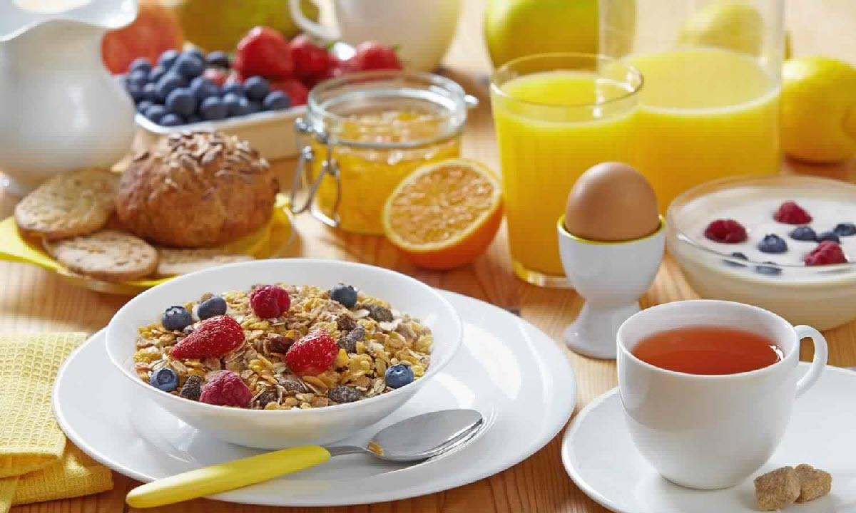 أطعمة تساعد على حرق الدهون وتعطى إحساس بالانتعاش