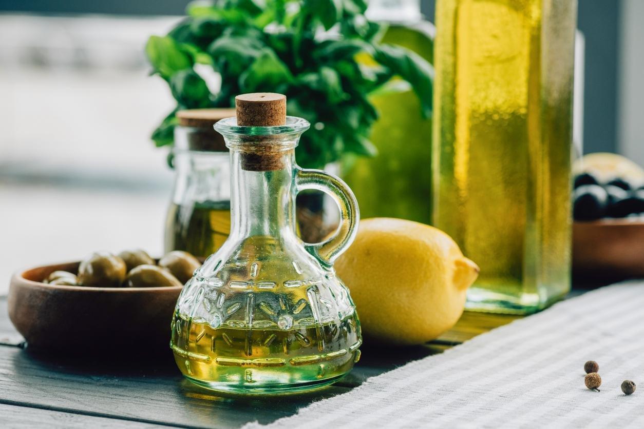 مشروب الليمون و زيت الزيتون للتخلص من دهون البطن نهائياً.. ننشر الوصفة