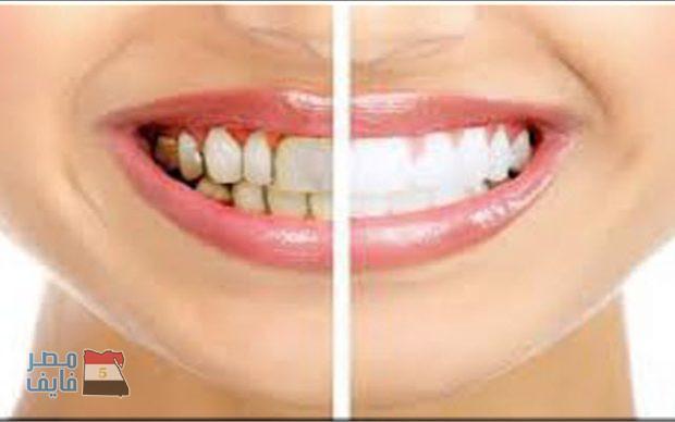 بزيت طبيعي واحد يمكن تبييض الأسنان وترطيب البشرة وتعطيرها
