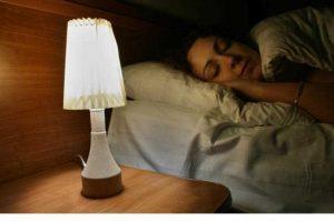 «تجدها في الفنادق».. طريقة جديدة وحيلة ذكية لتدفئة السرير في ليالي الشتاء
