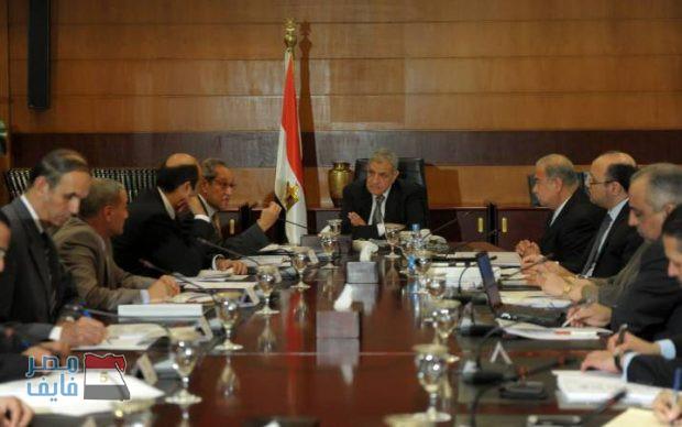 """عاجل.. توقعات بتغير وزاري وشيك وأنباء عن رحيل رئيس الحكومة و """"البديل جاهز"""""""