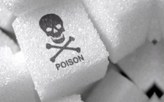 تناول السكر (السم الأبيض) بكمية كبيرة يجعلك عرضي لأمراض عديدة منها السرطان