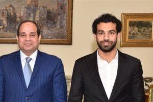 إعـلامي مصري يكشف عن مفاجأة الرئيس لـ«محمد صلاح»