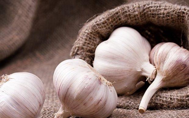أطعمة تقوي الجهاز المناعي وتحمي الجسم من الإنفلونزا ونزلات البرد.. تعرف عليها