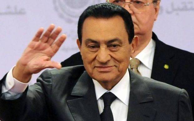 وفاة «حسني مبارك» تتصدر تويتر  في السعودية «صور»