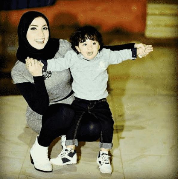 بالصور| «دينا عبد الله» فتاة مصرية تُثير الجدل بحفل طلاقها بعد 40 يوماً فقط من الزواج: «وقعته في شر أعماله» 2