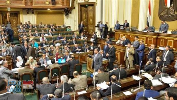 الحكومة: مشروع قانون ينص على زيادات جديدة في رسوم تراخيص السيارات وكروت المحمول وجواز السفر