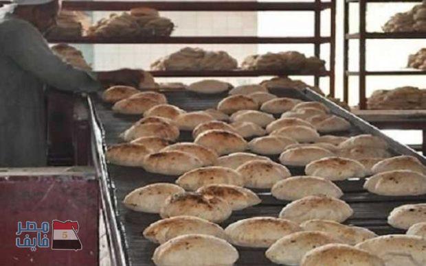 وزير التموين الحكومة تخطط لزيادة سعر رغيف الخبز ودعم كل مواطن ب75 جنيه شهريا