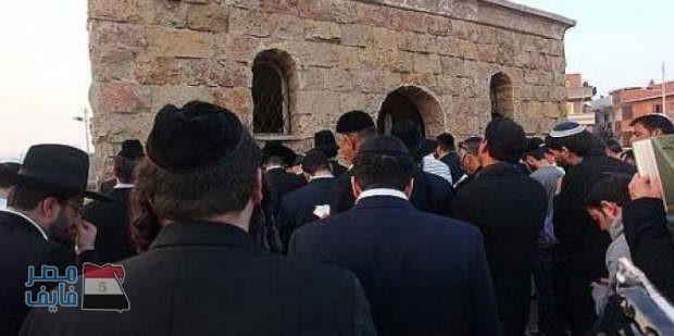 ضريح أبو حصيرة بدمنهور يستقبل وفد يهودي في حراسة مشددة ليؤدوا الصلاة