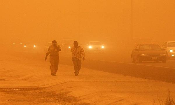 أول محافظة مصرية تُعلن الطوارئ بسبب العاصفة الترابية.. والأرصاد تُحذر من سيول هي الأعنف وتأتي مبكرًا في هذا التوقيت