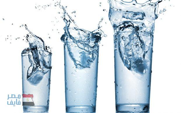 3 أوقات أساسية تشرب فيها الماء يوميًا لتفتيت الدهون