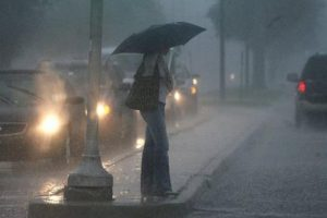 الأرصاد تحذر من انخفاض درجات الحرارة وسقوط أمطار غزيرة على بعض المحافظات