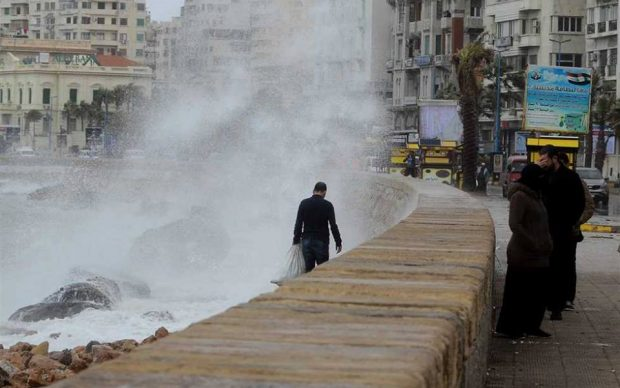 الأرصاد الجوية تؤكد أمطار غزيرة وطقس شديد البرودة وضباب على المحافظات التالية غدا الإثنين