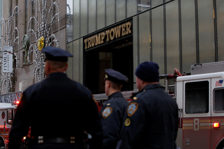 بالفيديو والصور| نشوب حريق في برج ترامب في مانهاتن وإصابة شخصين 4
