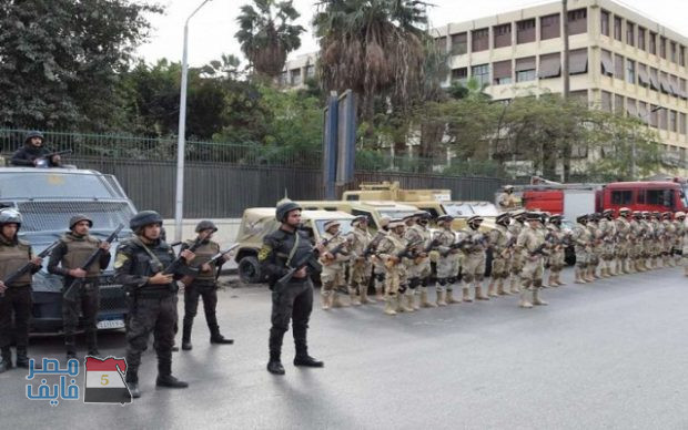 أنتشار مكثف لعناصر الجيش والشرطة لتأمين الاحتفال بعيد الميلاد المجيد