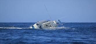 إنقاذ 5 مصريين بعد غرق قاربهم بالقرب من السواحل الليبية والبحث عن 10 أخرين وأسماء المفقودين والناجين منهم 3