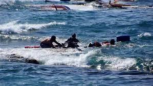 إنقاذ 5 مصريين بعد غرق قاربهم بالقرب من السواحل الليبية والبحث عن 10 أخرين وأسماء المفقودين والناجين منهم 1