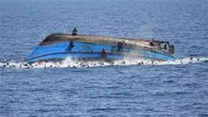 إنقاذ 5 مصريين بعد غرق قاربهم بالقرب من السواحل الليبية والبحث عن 10 أخرين وأسماء المفقودين والناجين منهم 2