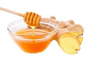 عصير الزنجبيل مع العسل مشروب للتخلص من نزلات برد الشتاء