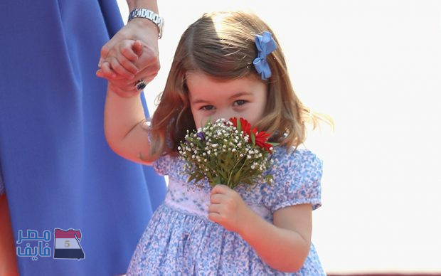 """شاهد.. """"أميرة"""" طفلة لم تبلغ بعد عامها الثاني وتتحدث بأكثر من لغة"""