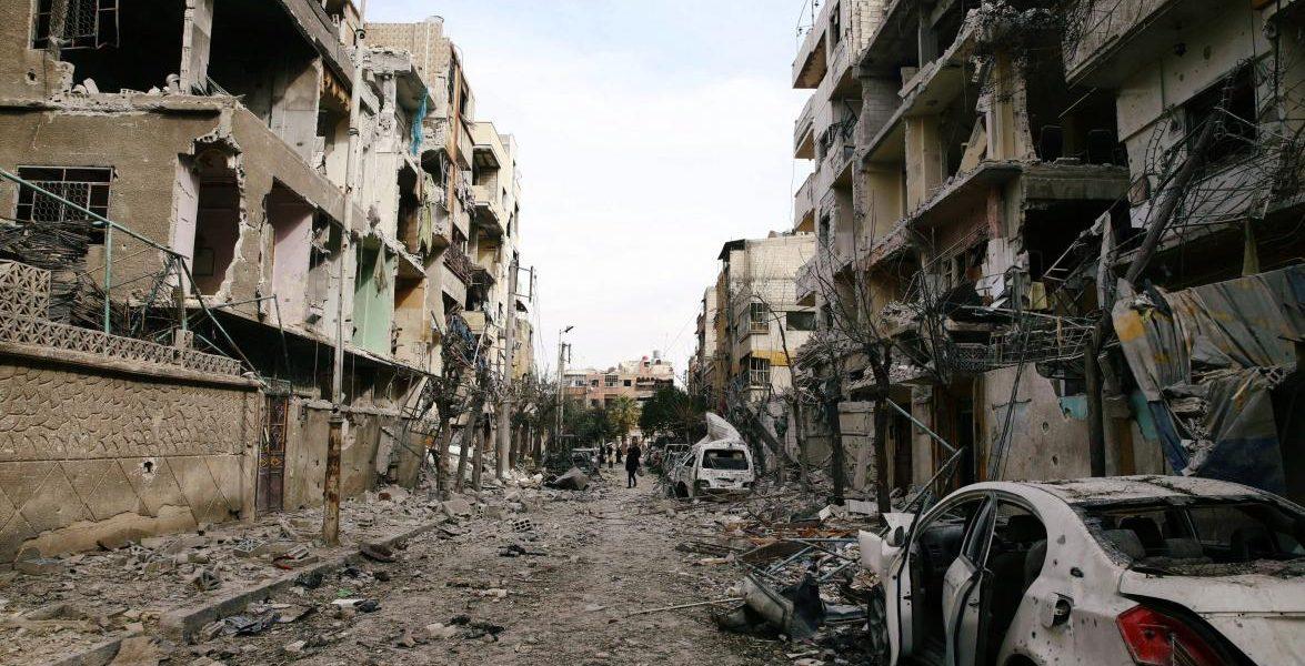 إيران تتحدى قرار الأمم المتحدة وتعلن استمرارها بشن هجمات على الغوطة قرب دمشق
