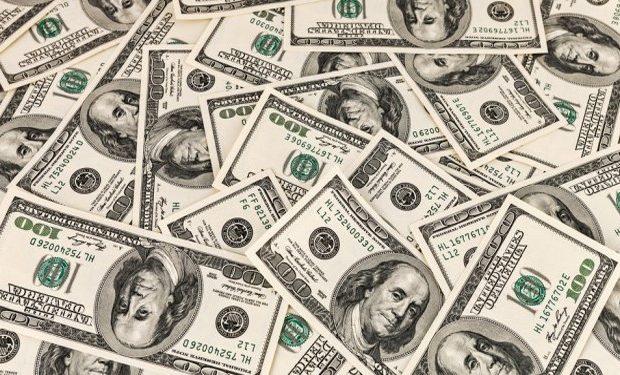 سعر الدولار اليوم الأربعاء 14 فبراير 2018.. العملة الأمريكية تقفز قرشين وتسجل 17.7 جنيه للبيع