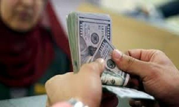 ارتفاع مفاجئ في سعر الدولار على حساب الجنيه بختام تعاملات الأسبوع بالسوق السوداء وعدد من البنوك