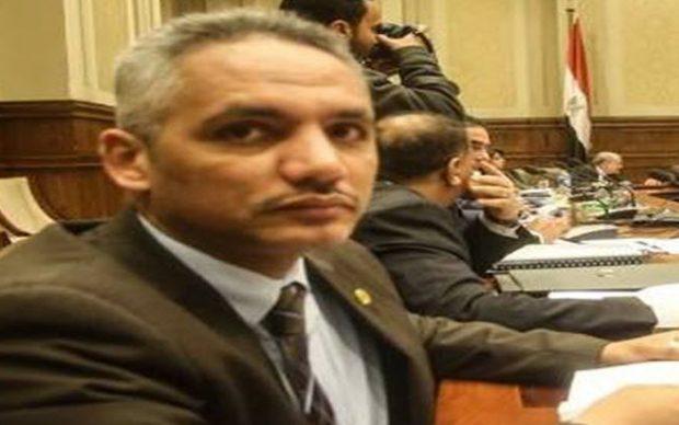 «برلماني» يقدم هدية لشباب مصر المقدم على الزواج