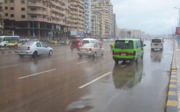 تعليمات مرورية للقيادة الآمنة في حالة الطقس السيئ والأرصاد تؤكد استمرار سقوط الأمطار
