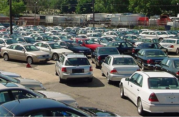 ترحيب برلماني ومقترحات تطبيق قانون الإعفاء الجمركي لسيارات المصريين بالخارج