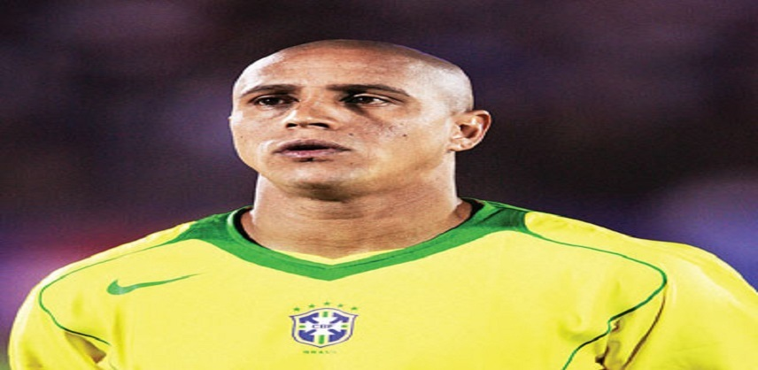 """اللاعب العالمي البرازيلي روبرتوكارلوس  بالقاهرة من أجل القضاء على فيروس """"سي"""""""
