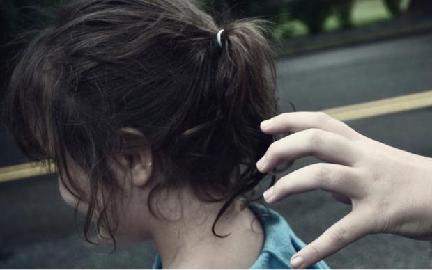 """ضبط عصابة تبيع الأطفال عبر صفحة على مواقع التواصل تحت اسم """" أطفال مفقودة"""" .. والأمن يكشف التفاصيل"""