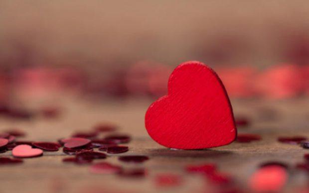 """أغرب طرق الاحتفال بعيد الحب """"الفلانتين"""" حول العالم"""