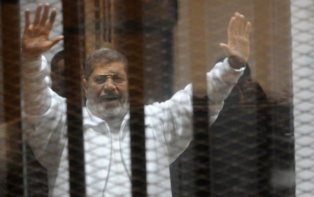 """عاجل.. موسى يكشف تفاصيل تنشر لأول مرة حول الحالة الصحية لـ """"محمد مرسي"""" داخل السجن"""