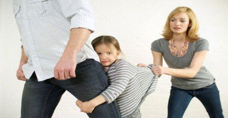 تعليق الأزهر على نقل حضانة الطفل للأب