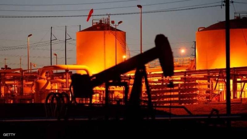 انخفاض أسعار النفط مع ارتفاع سعر الدولار