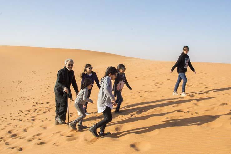 الوليد بن طلال ينشر أولى صوره وهو يستمتع بوقته في الصحراء عقب الإفراج عنه 2