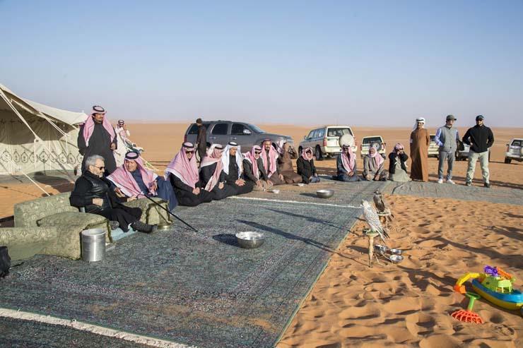 الوليد بن طلال ينشر أولى صوره وهو يستمتع بوقته في الصحراء عقب الإفراج عنه 4
