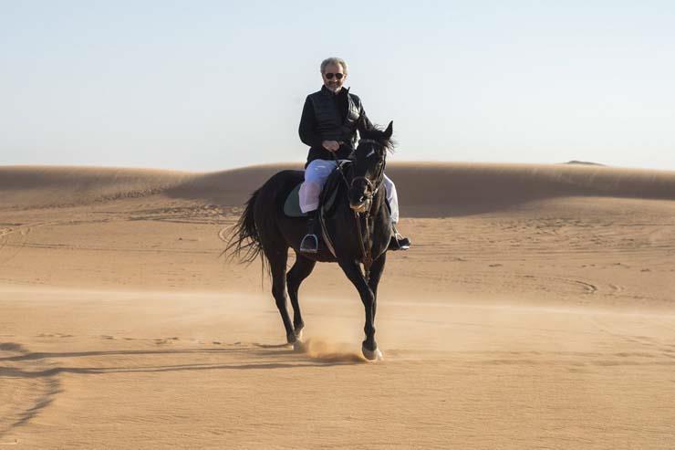 الوليد بن طلال ينشر أولى صوره وهو يستمتع بوقته في الصحراء عقب الإفراج عنه 5