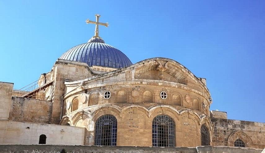 """عاجل.. إغلاق """"كنيسة القيامة"""" والمصادر تكشف عن الأسباب"""