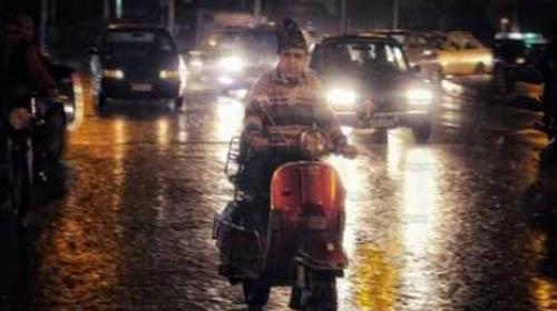 رئيس الأرصاد يحذر المواطنين من سقوط أمطار شديدة غدًا.. ويكشف موعد ارتداء الملابس الثقيلة