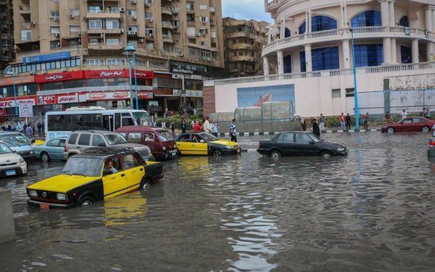 الأرصاد الجوية تحذر المواطنين وتؤكد انخفاض شديدة في درجات الحرارة وأمطار غزيرة ورياح وأتربة على المحافظات التالية غدا الإثنين