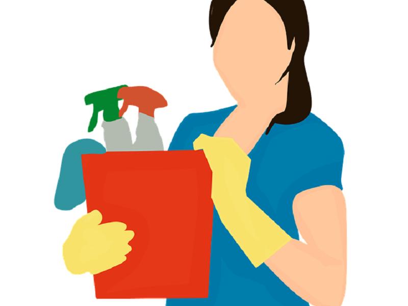 تعرف على الآثار الناتجة عن استخدام المنظفات المنزلية أثناء تنظيف المنزل على المرأة