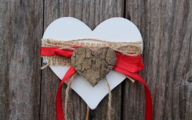 أجمل بطاقات عيد الحب 2018 مع مسجات رومانسية قصيرة