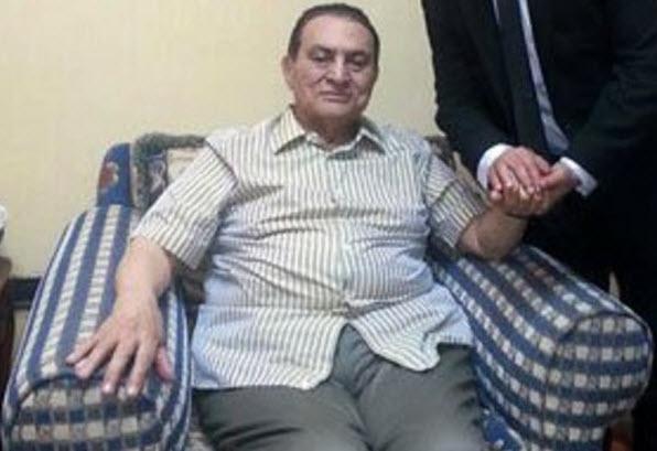 بعد اعلان شائعة وفاته .. ننشر اخر صورة للرئيس مبارك .. شاهد كيف تغيرت ملامحه
