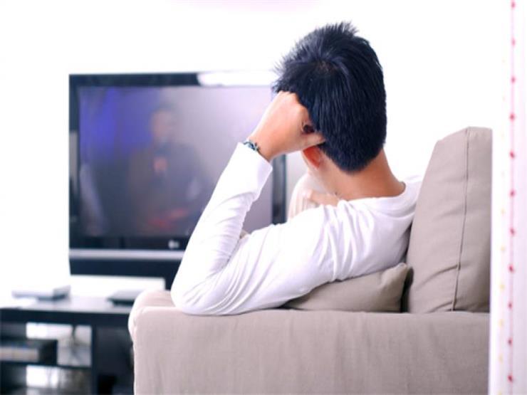 تحذير هام للرجال من خطر الجلوس طويلا أمام التليفزيون من الإصابة بهذا المرض