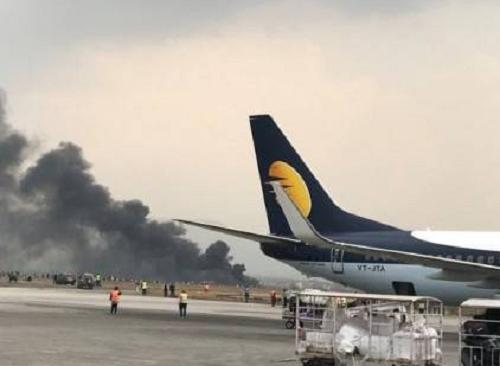 عاجل بالصور| تصادم طائرتين في سماء المطار  الدولي وعدد الضحايا حتى الآن