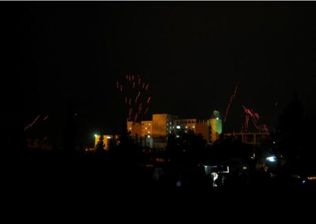 جنود الجيش السوري يحتفلون بإعادة السيطرة على الغوطة الشرقية